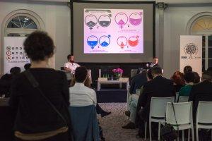 Előadás a varsói workshopon
